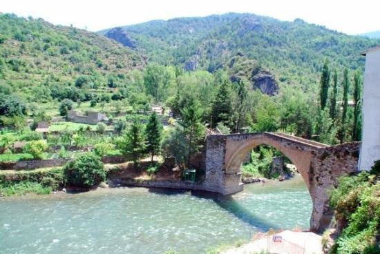 Spain-Pyrenees-Ainsa-2